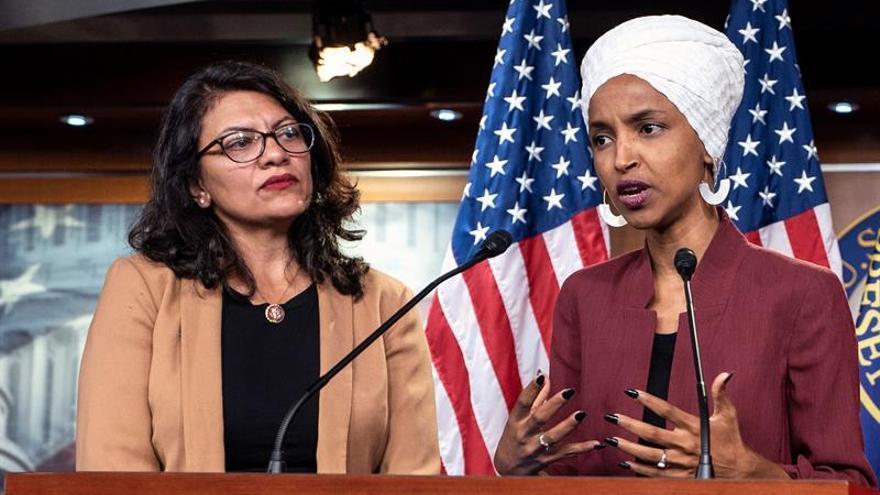 Ilhan Omar y Rashida Tlaib, las dos congresistas demócratas a las que Israel prohibió la entrada al país.