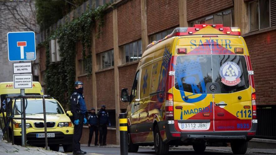 Una ambulancia en una calle de Madrid