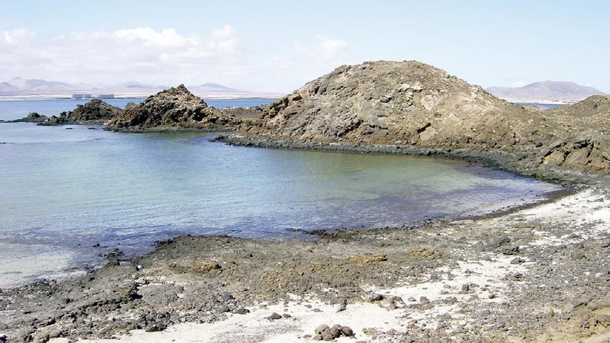 Vista parcial de Lobos, entre Fuerteventura y Lanzarote