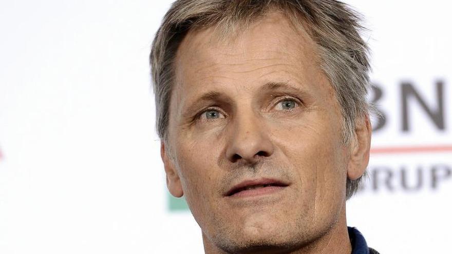 El actor Viggo Mortensen se hace socio de Òmnium Cultural