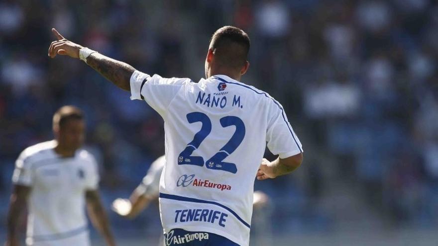 El jugador del CD Tenerife, Alexander Mesa 'Nano', celebrando el gol conseguido en el Heliodoro Rodríguez López ante el Albacete.