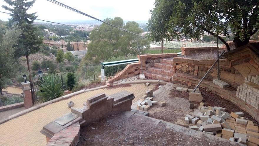 Denuncian la presencia de basura y escombros en el Santuario de la Fuensanta