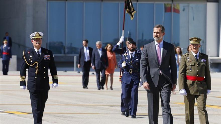 Los Reyes emprenden viaje a Londres para comenzar mañana su visita de Estado