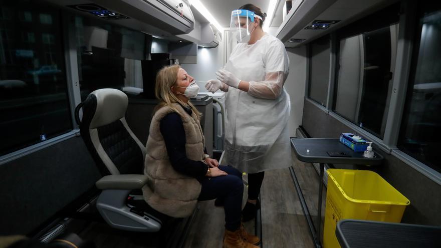 Bélgica estima que entre el 10 y el 20 % de sus contagios son de nuevas cepas