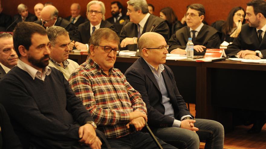 Echaburu, en la segunda fila, detrás de De Miguel, Tellería y Ochandiano