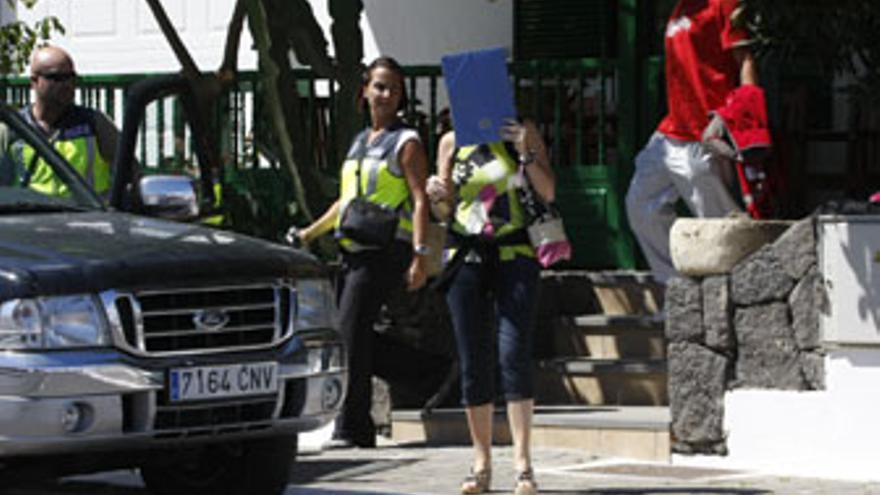 Operación policial en Lanzarote contra Reyes y su familia. (ACFI PRESS)