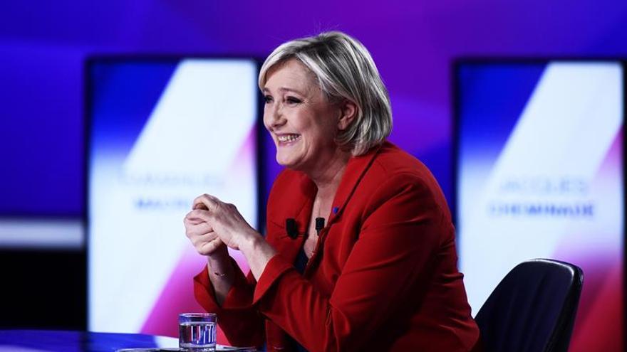 """Le Pen pide que se restauren """"inmediatamente"""" las fronteras nacionales"""