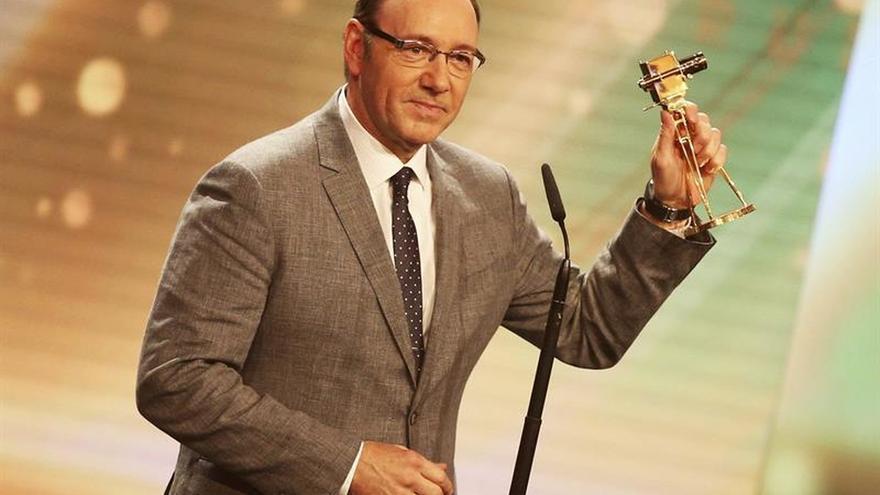 El premiado actor Kevin Spacey será el anfitrión de los Premios Tony