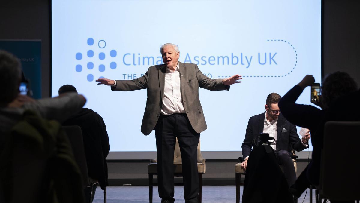 El naturalista y divulgador David Attenborough, durante uno de los encuentros de la asamblea ciudadana británica.