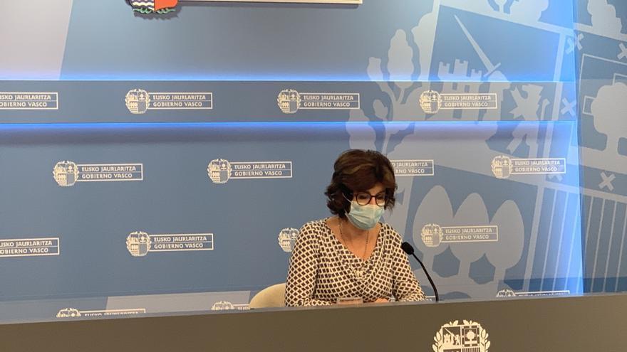 La consejera de Salud, Nekane Murga, durante la rueda de prensa de este miércoles