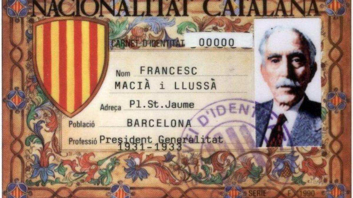 Carnet de nacionalidad catalana, que se reparte sin pretensión de validez desde 1982