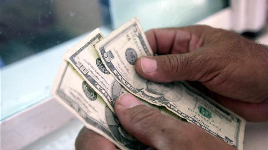 España es la primera fuente de remesas para Bolivia en el primer trimestre