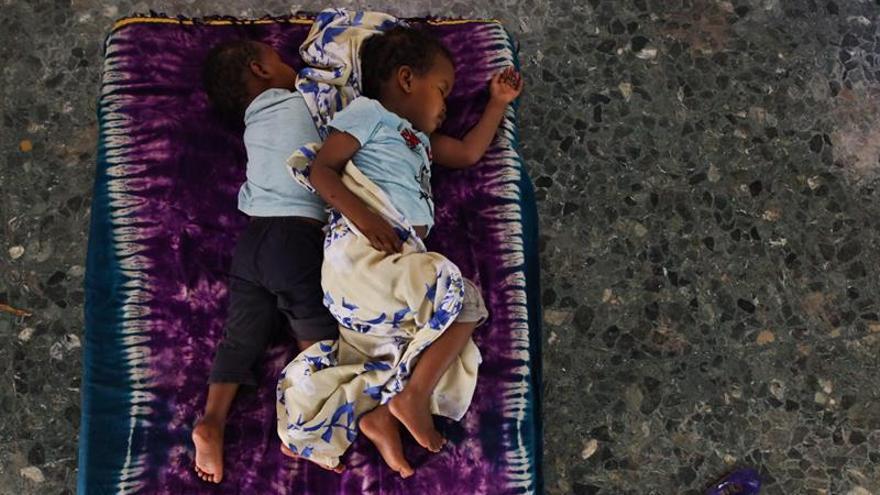Unos 360.000 niños somalís serán vacunados de emergencia contra el sarampión