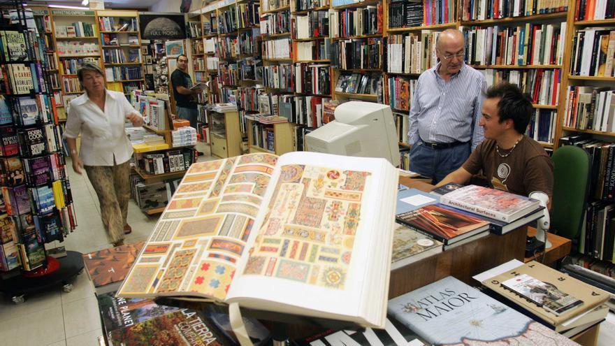 El interior de la librería Cámara, en Bilbao.