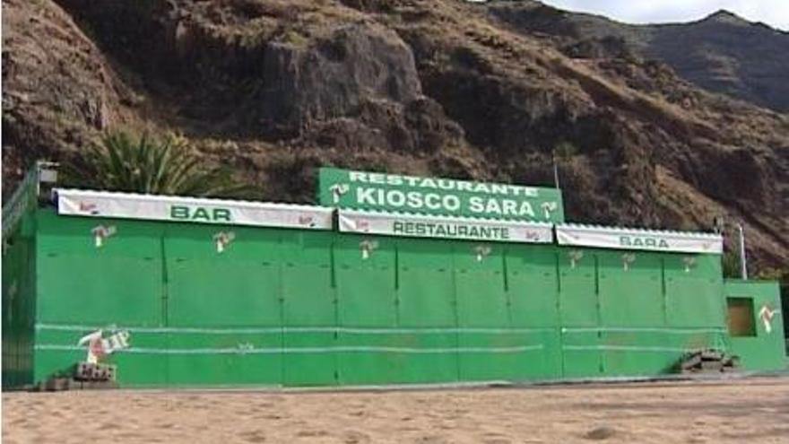Un kiosko en la playa de Las Teresitas