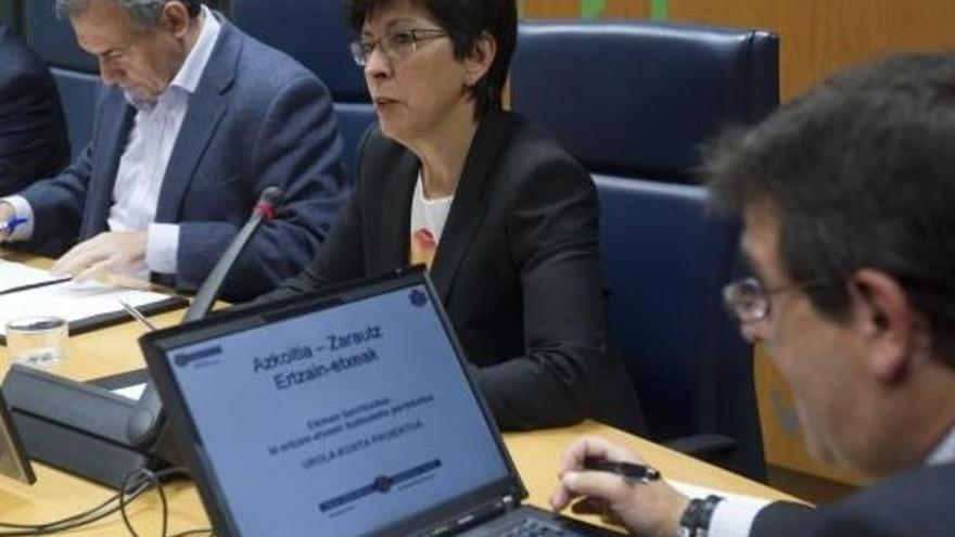 La consejera de Seguridad, Estefanía Beltrán de Heredia, en el Parlamento.