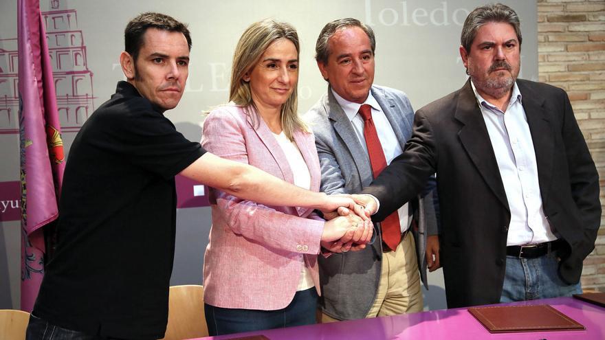 Un momento de la firma del acuerdo