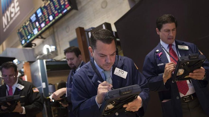Wall Street abre con ganancias y el Dow Jones avanza un 0,16 %
