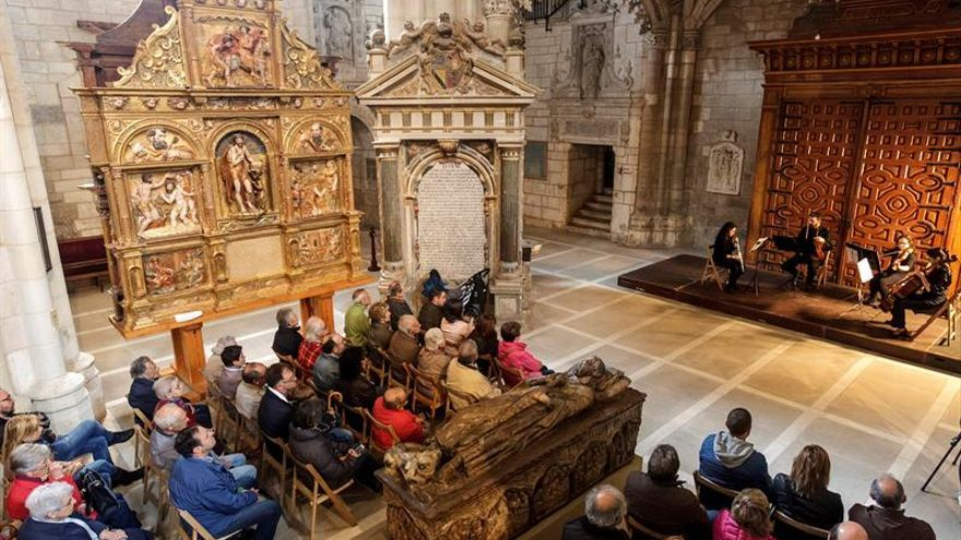 Burgos se viste de blanca cultura