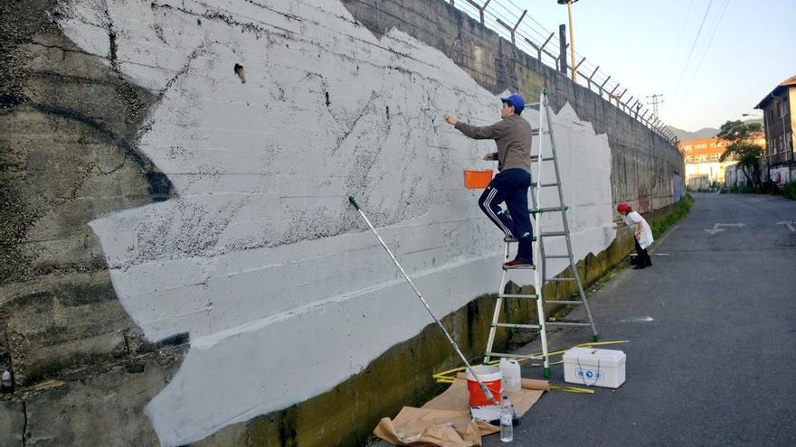 El mural que está creando la vitoriana Irantzu Lekue