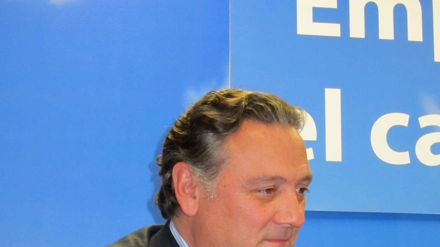 Prada pide amparo a la presidenta de la Asamblea de Madrid por las injurias recibidas y se ofrece a comparecer