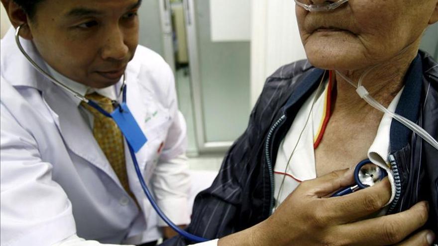 """""""New York Times"""" critica que EE.UU. incentive la deserción de médicos cubanos"""