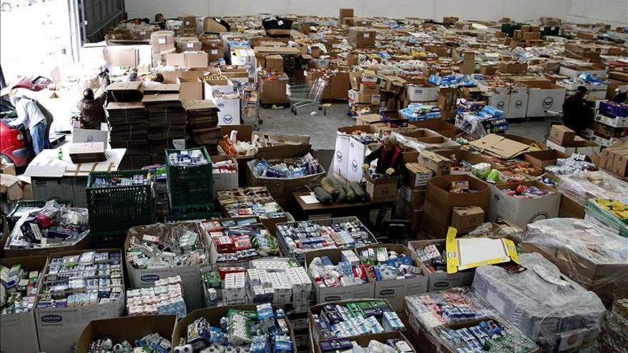 Aumenta un 40 por ciento el número de españoles que acuden a los bancos de alimentos