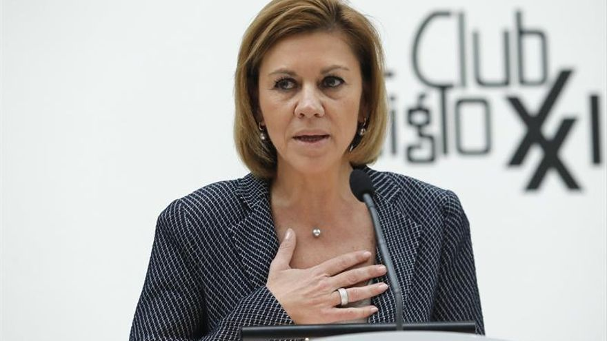Cospedal espera no haya moción de censura en Murcia y avisa que el PP hará lo que deba