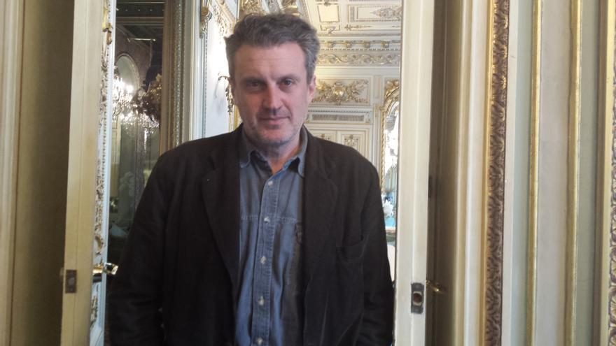 El escritor Antonio Manzini ayer en Barcelona