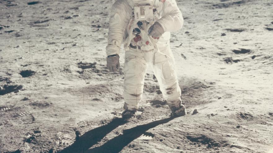 Reflejo de Buzz Aldrin en la superficie lunar, 20 de julio de 1969