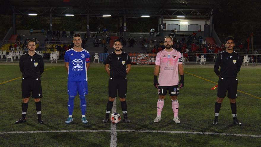 El San Fernando y el Atlético Tacoronte mandan en la Tercera División