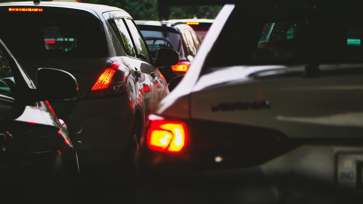 Imatge d'una retenció de trànsit.