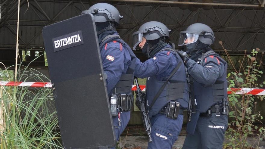 La Ertzaintza desarrolla un simulacro de atentado islamista en el antiguo parque de atracciones de Artxanda