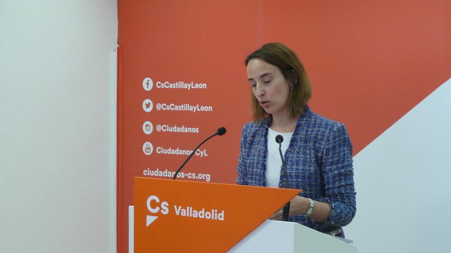 La portavoz de Ciudadanos en el Ayuntamiento de Valladolid, Pilar Vicente, durante la rueda de prensa en la que anunció su dimisión