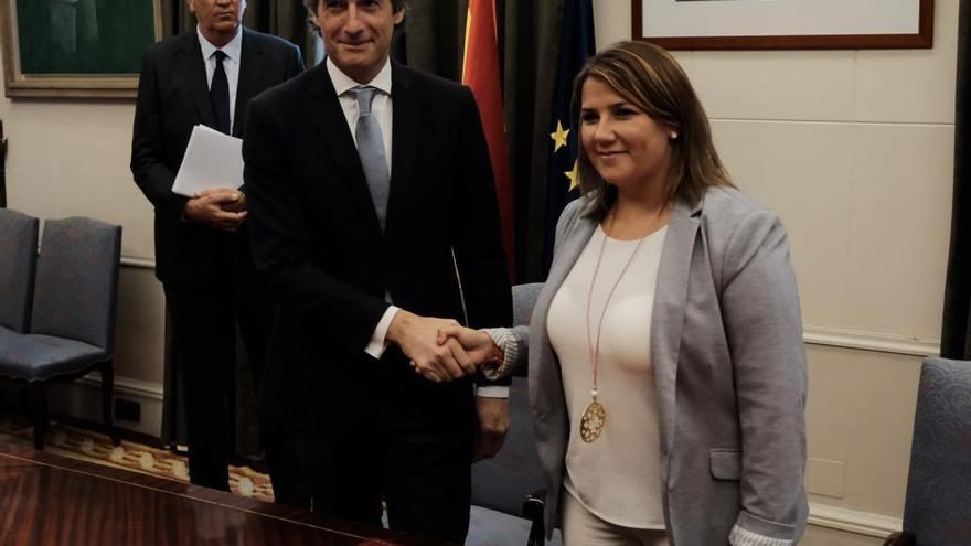 Agustina García, consejera de Fomento e Íñigo de la Serna, ministro de Fomento