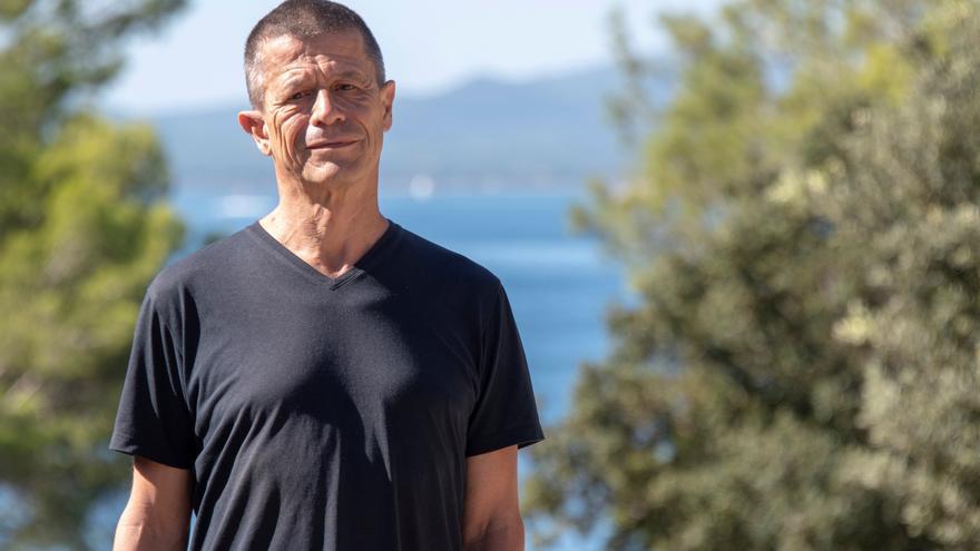 Emmanuel Carrère, un narrador poliédrico que se nutre de su realidad