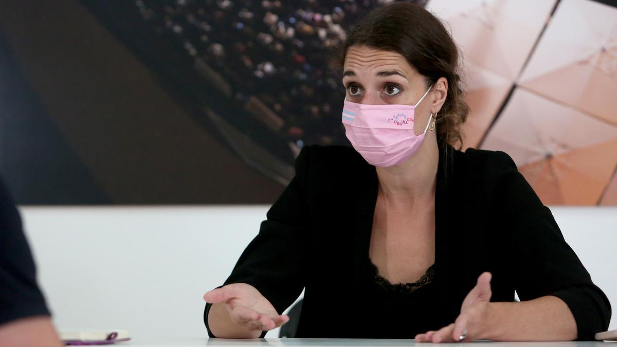 La secretaria de Estado y contra la Violencia de Género, Noelia Vera, en la sede de Unidas Podemos de Las Palmas de Gran Canaria.