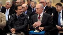 Rodrigo Rato y José Antonio Moral Santín, en primera fila del banquillo de acusados del caso Bankia.