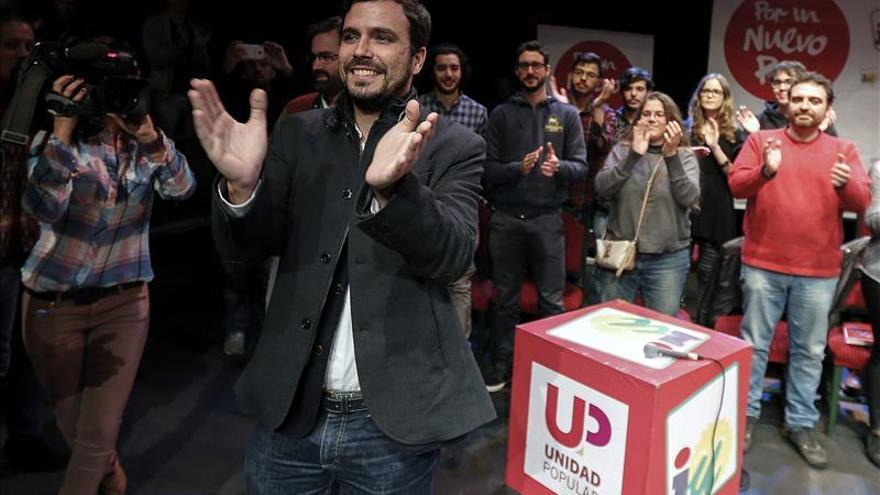 """Garzón condena la muerte de los policías pero avisa del peligro del """"caos de la guerra"""""""