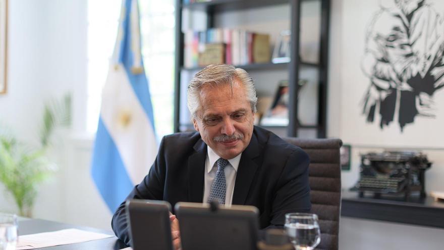 Alberto Fernández habló con Putin y le pidió ayuda para garantizar el suministro de vacunas