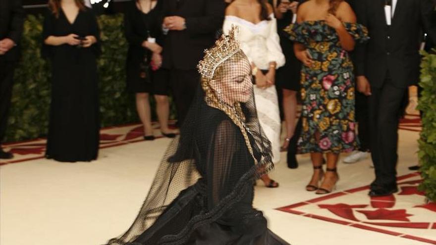 La lesión de rodilla no da tregua a Madonna y cancela otro concierto en Lisboa