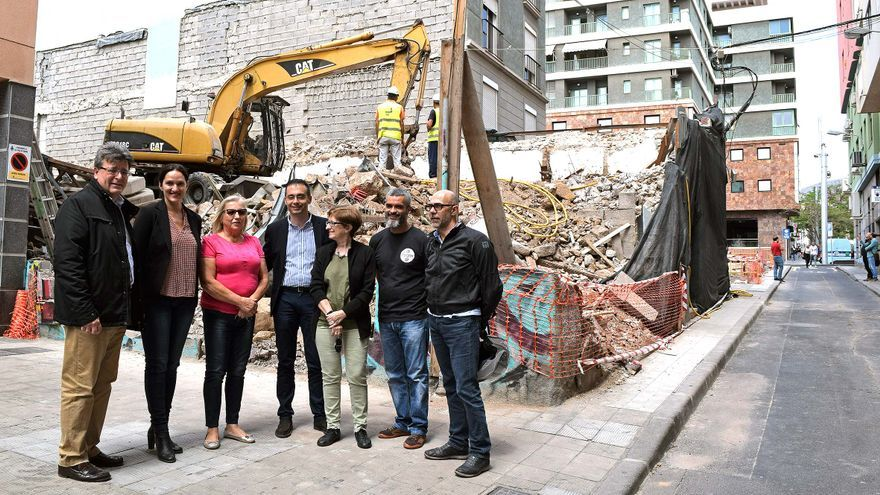 Los tres concejales del PP con responsabilidades de gobierno que visitaron este lunes la zona de las demoliciones