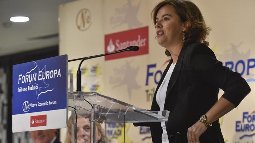 S. Santamaría califica de ilegal y oportunista la propuesta de Puigdemont