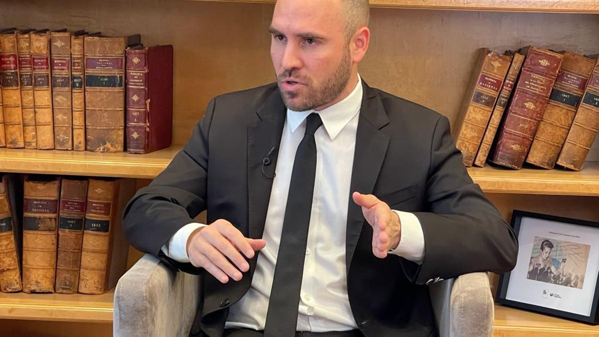Martín Guzmán participó, con una entrevista grabada antes de su viaje, en el Coloquio Idea