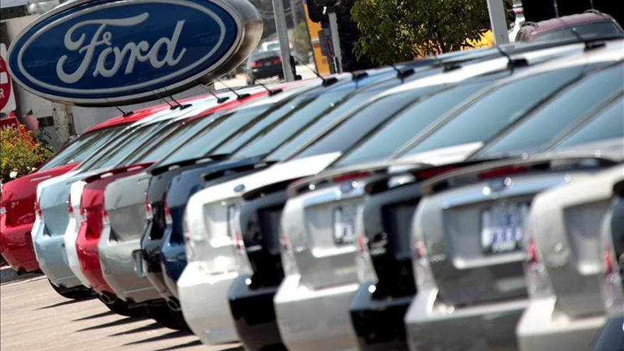 El sector del automóvil recuperó sus ventas en 2013 y augura un mejor 2014