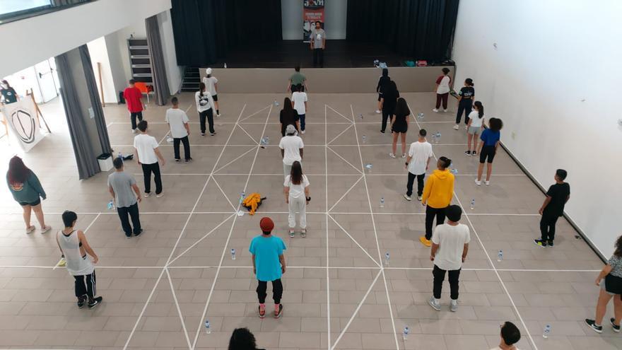 Más de un centenar de jóvenes participaron en el proyecto 'Let's Dance Workshop La Palma'