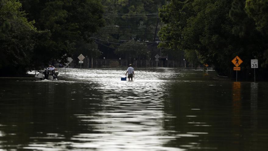 Una calle de Houston, Texas, después del huracán Harvey (1 de septiembre de 2017) | Gregory Bull GTRES
