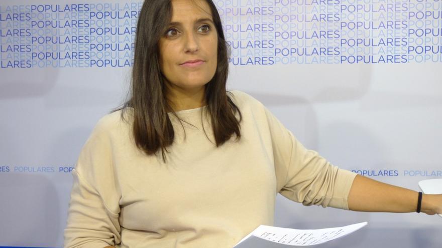La senadora del PP Beatriz Jurado da a luz en el coche y asistida por su marido