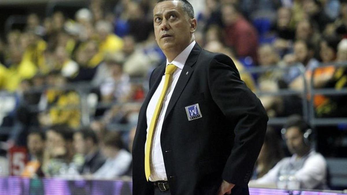 Alejandro Martínez cuando era entrenador del Iberostar Tenerife.