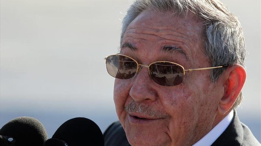 """Raúl Castro confirma """"total disposición"""" a construir una nueva relación con EE.UU."""